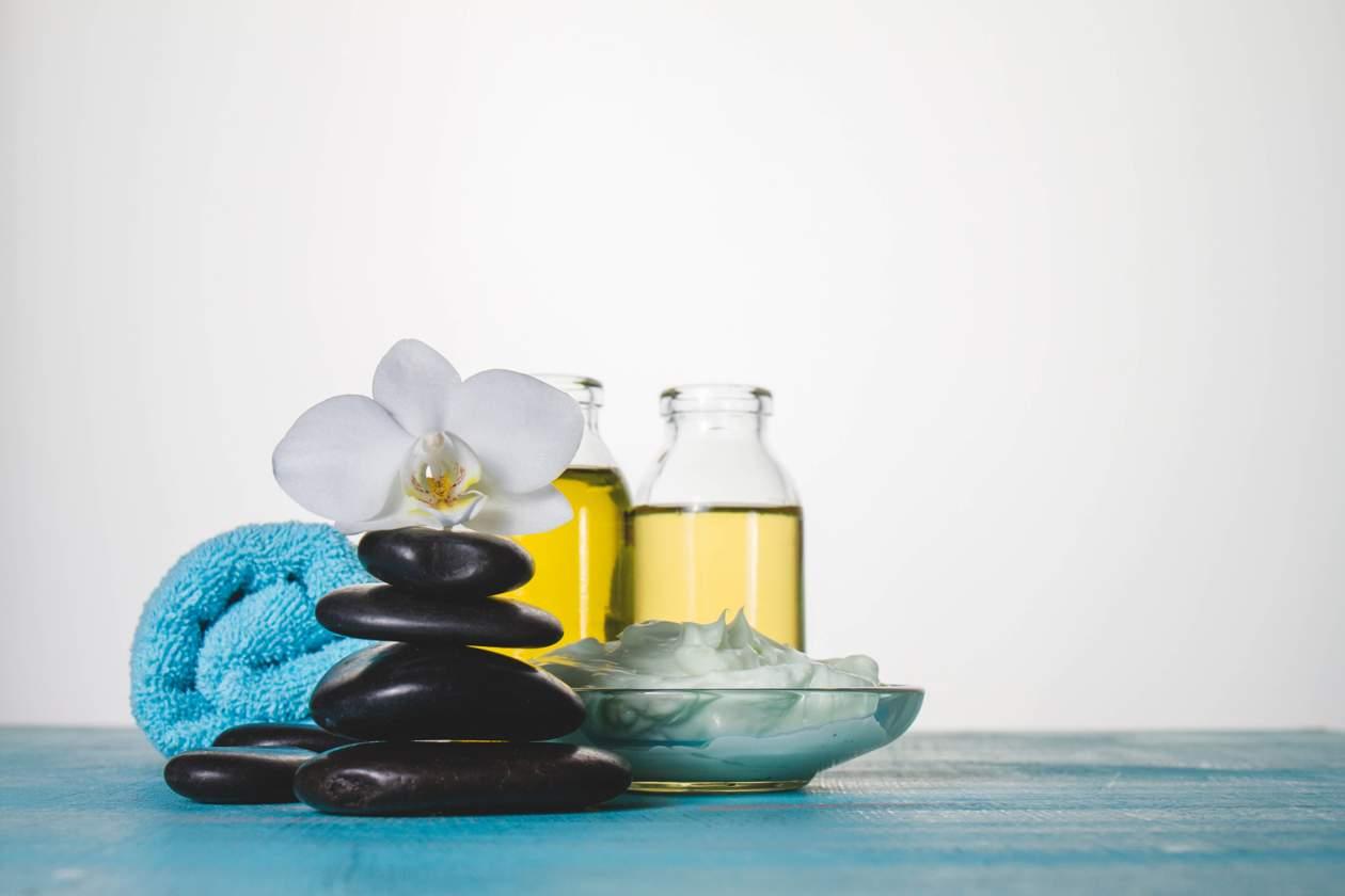 Depilacja woskiem a depilacja chemiczna